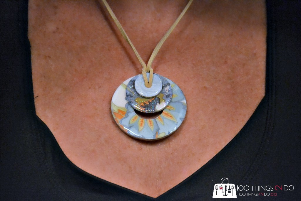 Necklace made from plumbing washers, DIY jewelry, jewelry from washers, washer jewelry, How to make a washer necklace
