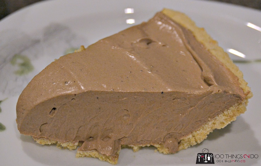 Easy, no-bake chocolate cream pie, chocolate cream pie, 4 ingredient chocolate cream pie