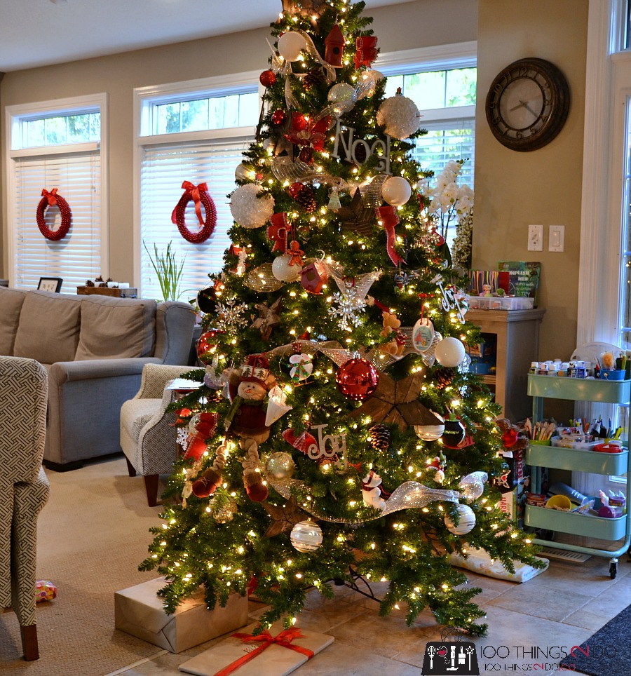 Christmas tree - red and rustic