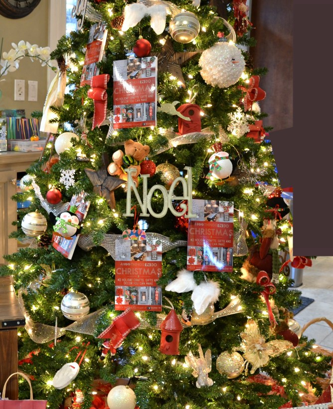100T2D Christmas Crafts, Gifts and Decor