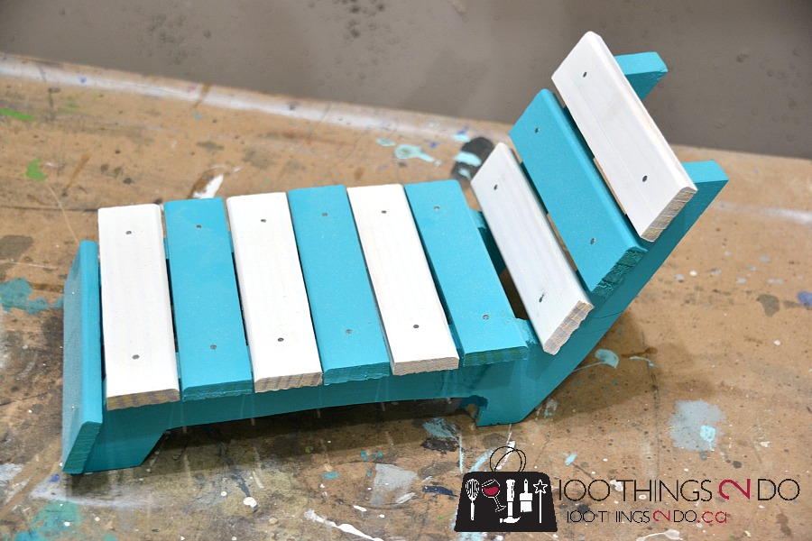 DIY doll furniture, doll lounger, DIY patio lounger, DIY sun lounger, Amercian Girl furniture,