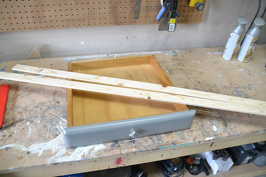 Free and easy drawer dividers, drawer dividers, DIY drawer separators, scrap wood drawer divider