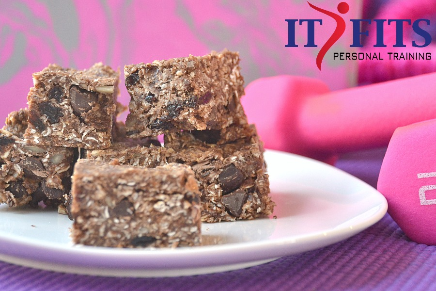 BEST protein bars, protein bar recipe, chocolate protein bars, meal replacement bars, healthy snack, no-bake protein bars