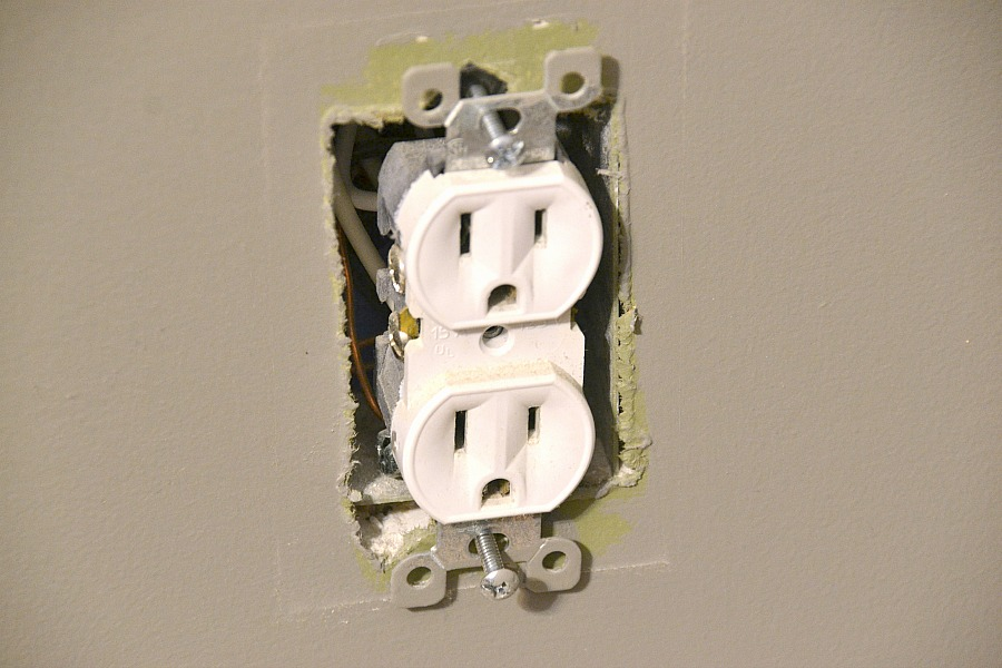 Home Improvement: Upgrading to USB Receptacles - 100 Things 2 Do