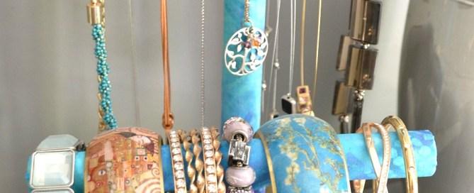 DIY jewelry holder, DIY jewelry stand, PVC project, jewelry organization