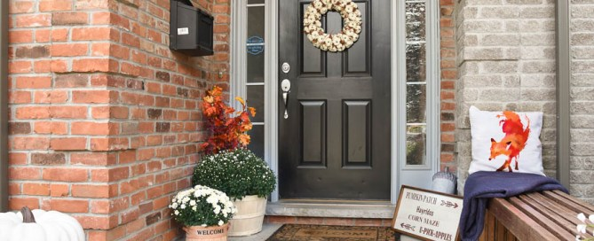 Fall front porch, decorating your porch for fall, Autumn decor, Autumn porch