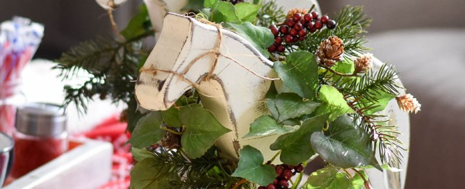 Christmas decor, wooden horse, DIY Holiday decor, DIY Christmas decor, wood horse, rustic Holiday decorations