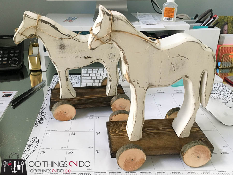 Christmas decor, wooden horse, DIY Holiday decor, DIY Christmas decor, wood horse, rustic Holiday decorations