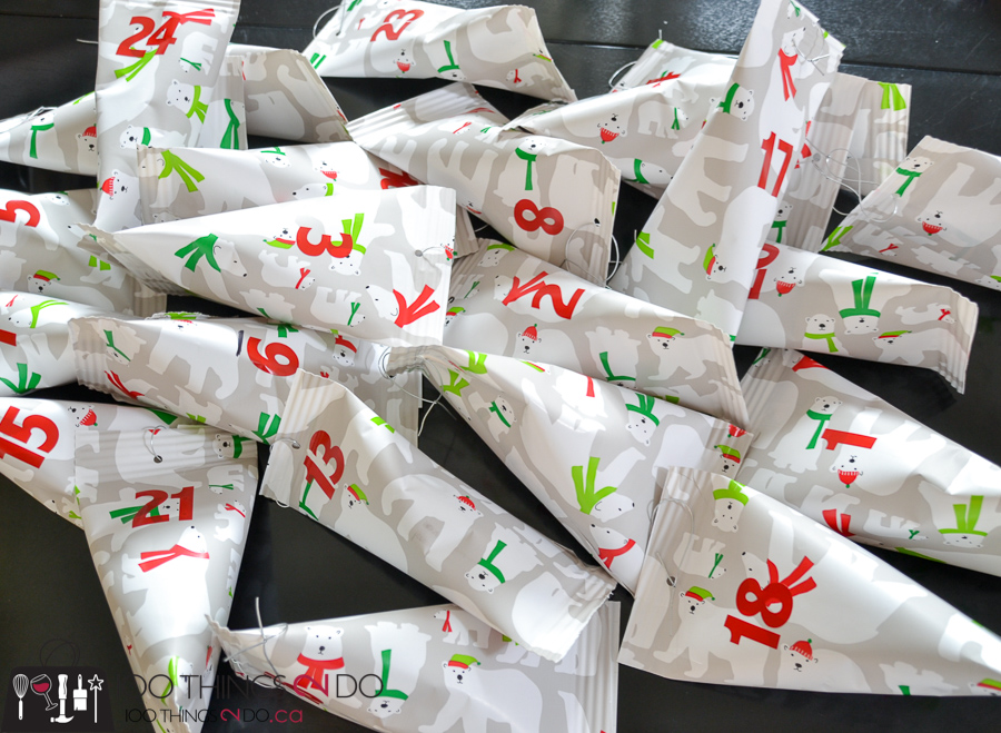 20 Simple Christmas DIYs, Christmas advent calendar, advent calendar, Christmas DIY, Easy Christmas crafts, DIY Christmas decor