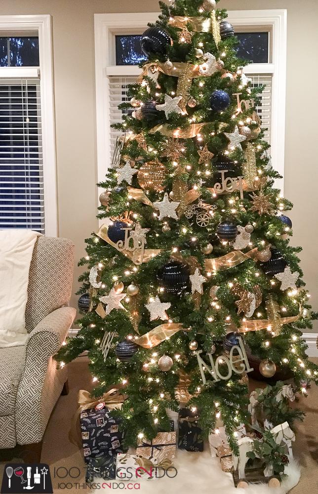Gingerbread ornaments, gingerbread cookies, gingerbread cookie ornaments, Martha Stewart's gingerbread, cookie ornaments