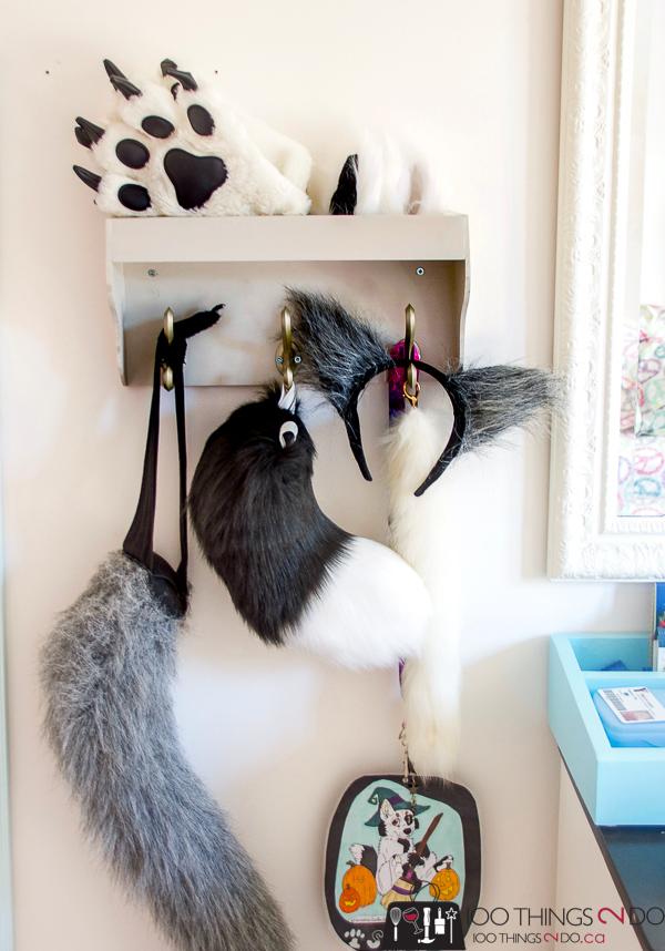 wall shelf with hooks, key rack, coat rack, coat rack with tray, tray with hooks