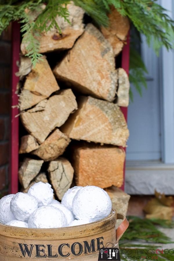 Decorative snowballs, fake snowballs, faux snowballs, how to make snowballs
