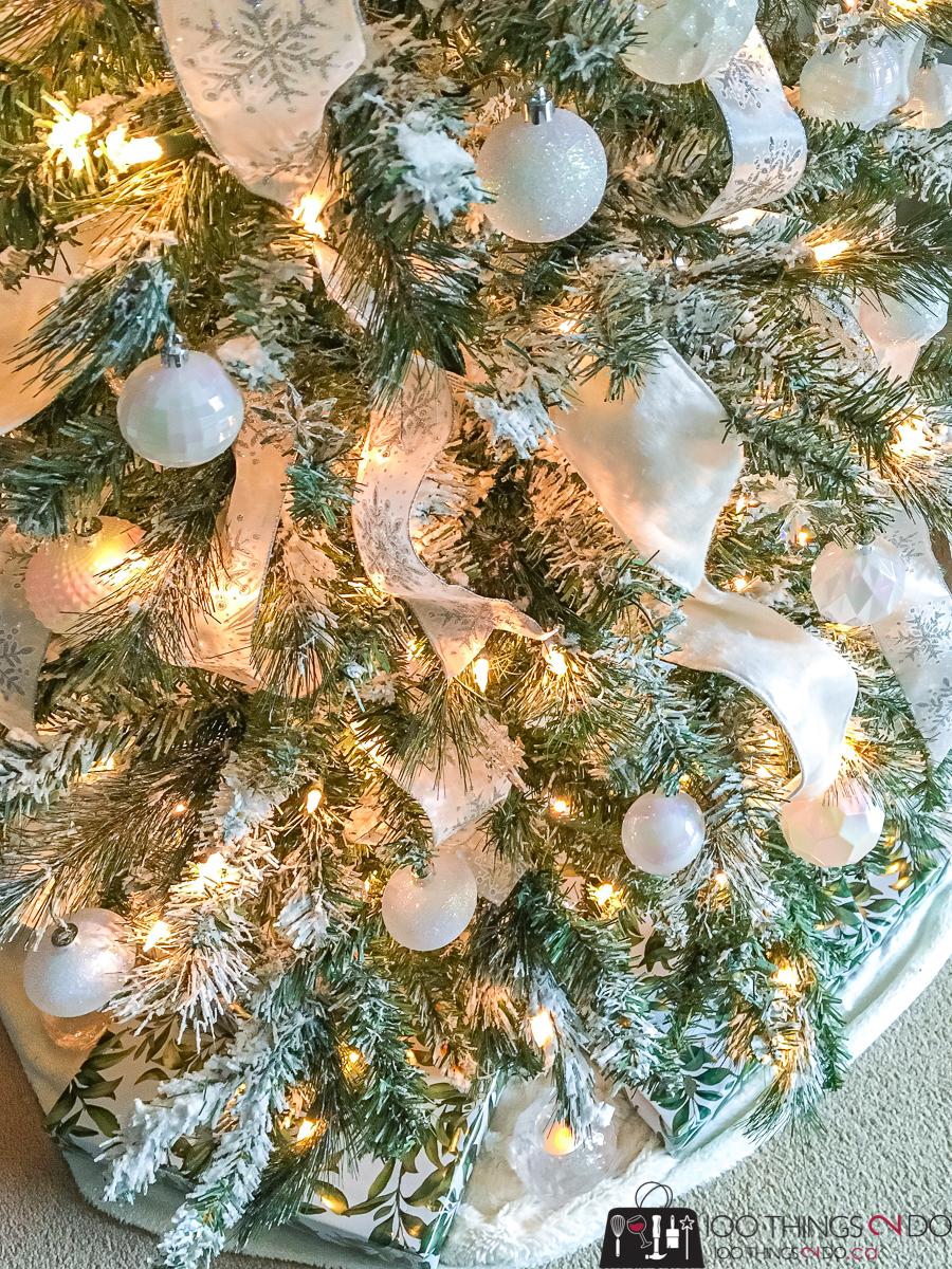 white Christmas tree, bedroom Christmas tree