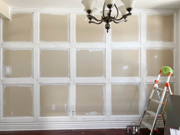DIY wainscoting, DIY board & batten