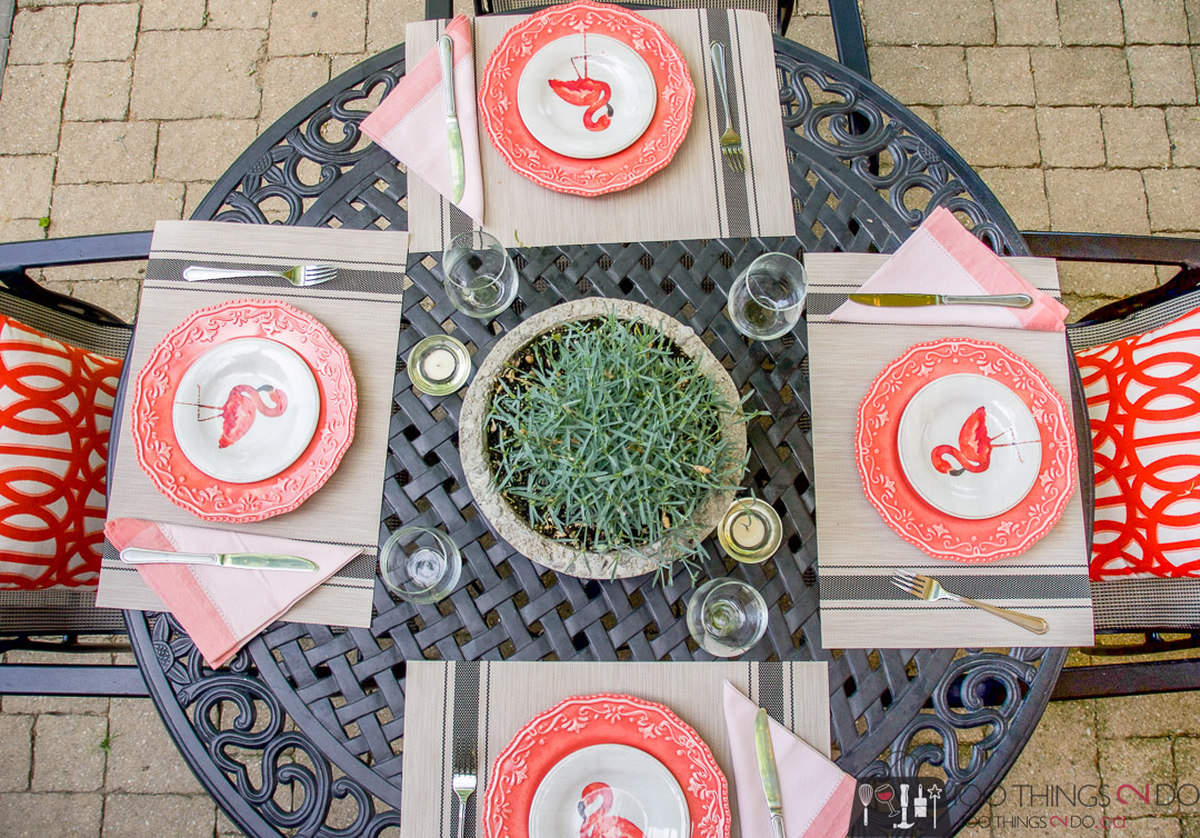 outdoor dining, patio table place setting, flamingo plates