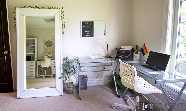 home office, office for a teenager, teenager office, craft room