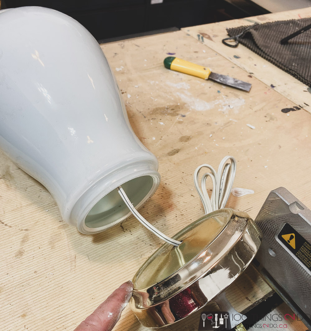 removing the base of a lamp