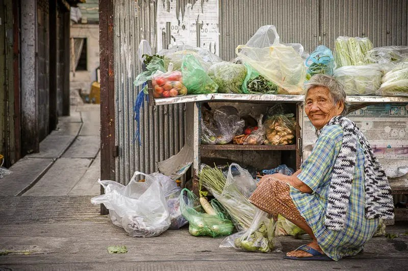 Soi Phumchit vegetables vendor