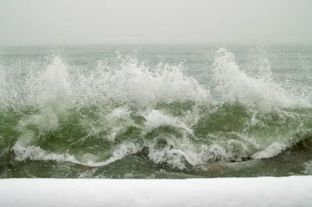 Big waves on Lake Ontario