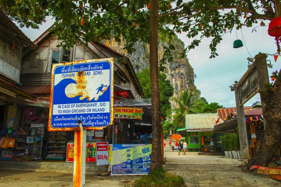 Railay tsunami warning