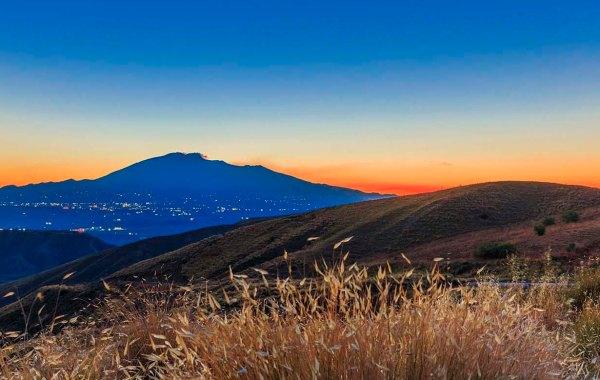 Etna vista dai Calanchi Cannizzola