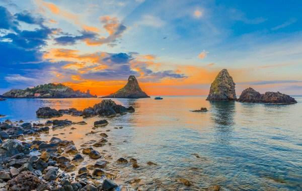 Isola Lachea e i Faraglioni