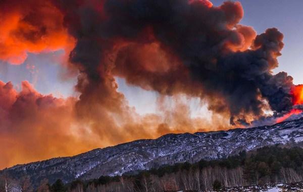 Etna, colonna di cenere,parossismo del 21 febbraio 2021