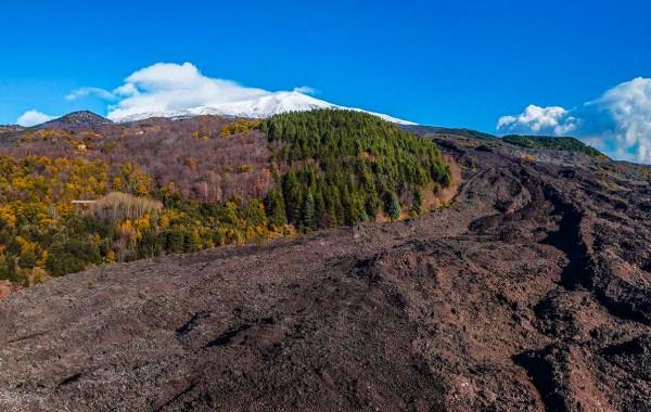 Etna, colata lavica del 2001 ai monti Rinazzi