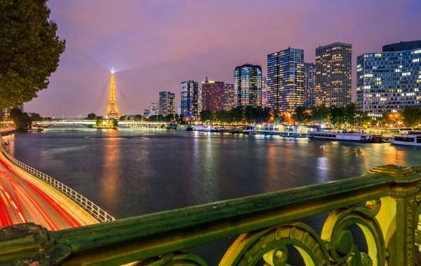 Parigi, ponte Mirabeau e la Torre Eiffel