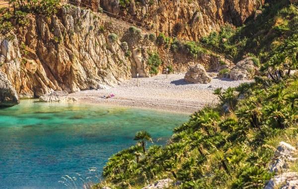 Spiaggetta Cala Tonnarella dell'Uzzo