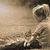 子供と猫とモノクロと