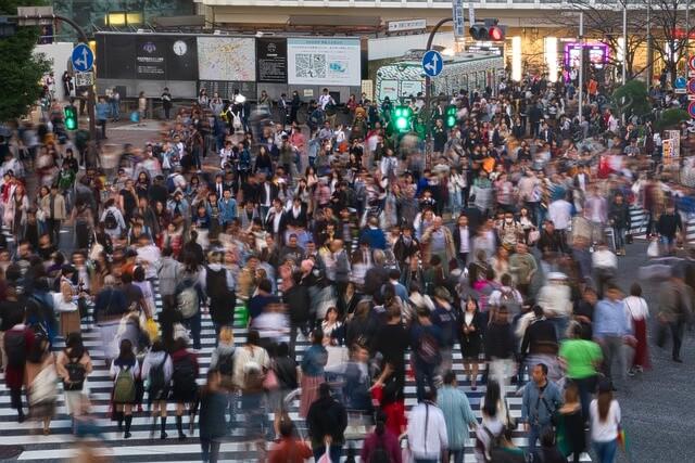 群衆の往来