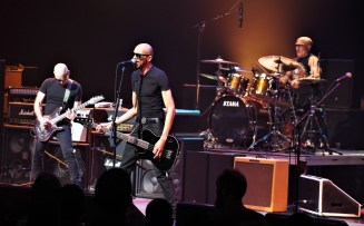 Experience Hendrix - Madison WI - 032019 (72) - Joe Satriani - Dug Pinnick - Kenny Aronoff