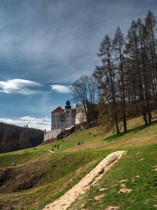 Zamek Pieskowa Skała, Okolice Krakowa