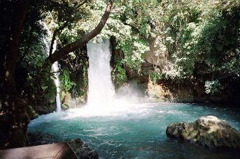 800px-Banias_Waterfall_Israel