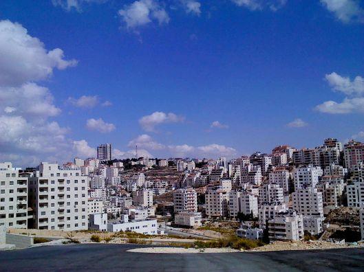 1280px-PS-Ramallah_view