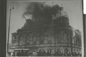 Frankfurt_am_Main_Synagogue-_November_Pogroms