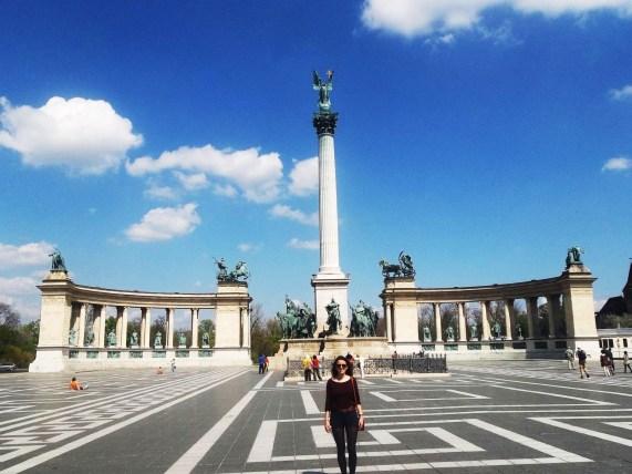 plaza_de_los_héroes_budapest