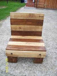 DIY Small Pallet Chair for kids | 101 Pallets