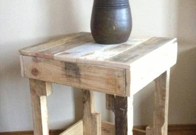 Diy Rustic Side Table Made From Free Pallets