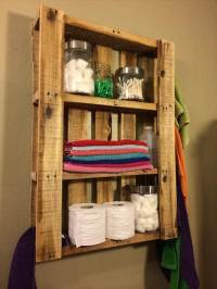 DIY Pallet Bathroom Wall Hanging Shelf