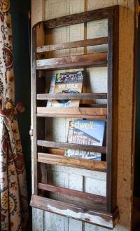Pallet Wood Wall Hanging Magazine Rack   101 Pallets