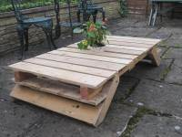 DIY Pallet Patio Table with Folding Flat Legs | 101 Pallets