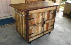 Truly Amazing Pallet Kitchen Island That You Obviously Must Have