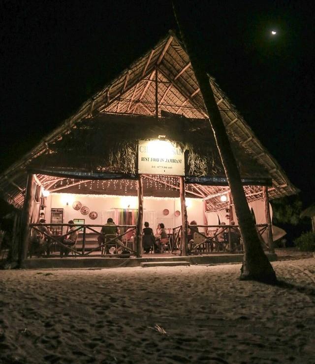 """Ресторант """"Chez Hassan"""", Джамбиани"""