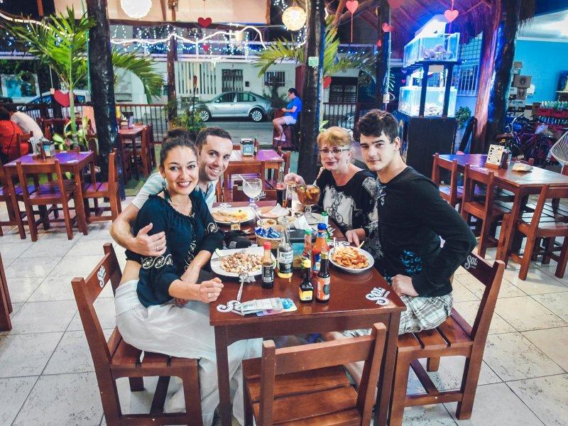 Ресторант Buzo's, Плая дел Кармен, Мексико