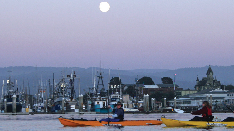 Humboats-full-moon-paddle