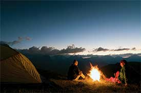 camping-couple-mountain_$