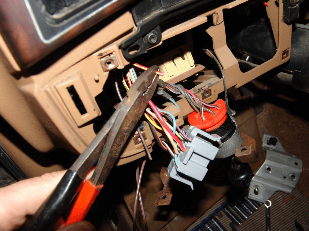 Sparky's Answers - 1990 Ford F150 Pickup, No Headlights
