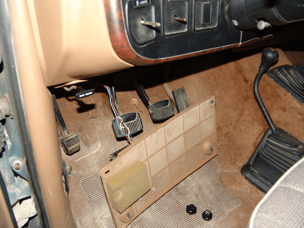 sparky s answers 1990 ford f150 pickup no headlights this one had the electric brake controller attached so i just let it hang in place rather than disconnecting the wires